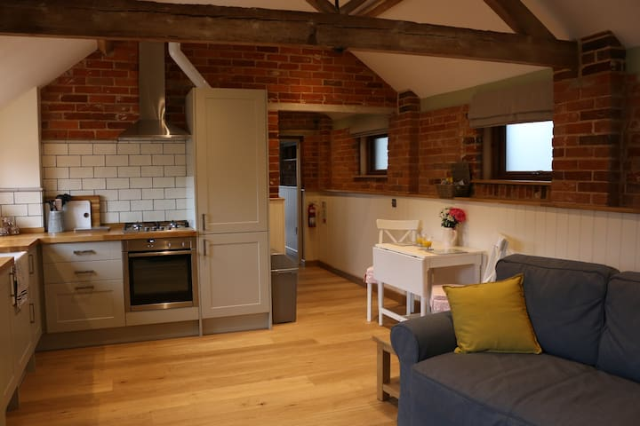 Converted Stables, edge of New Forest - New Forest