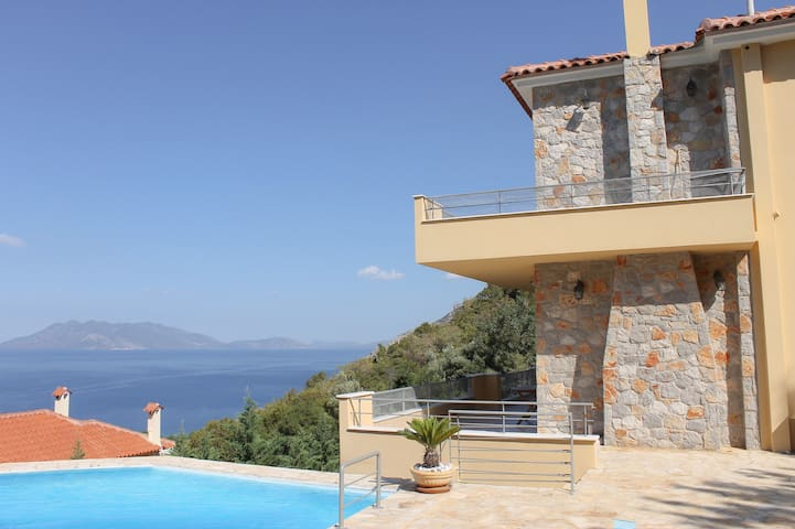 Villa mit traumhaftem Meerblick, Pool (366)