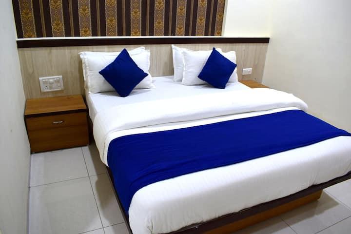 Classic AC Room(Hotel Shubham Palace)