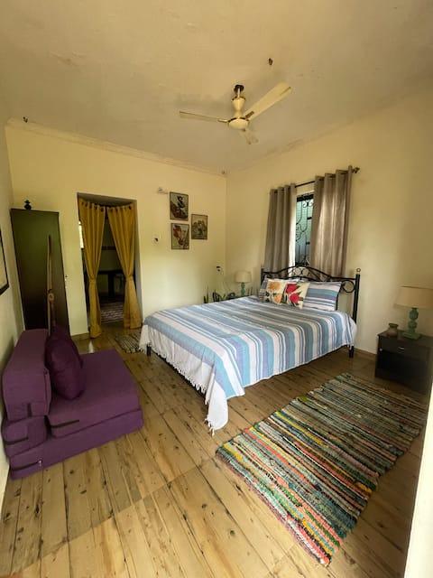 G's Homestay. Private Room/kitchen/bath in Anjuna
