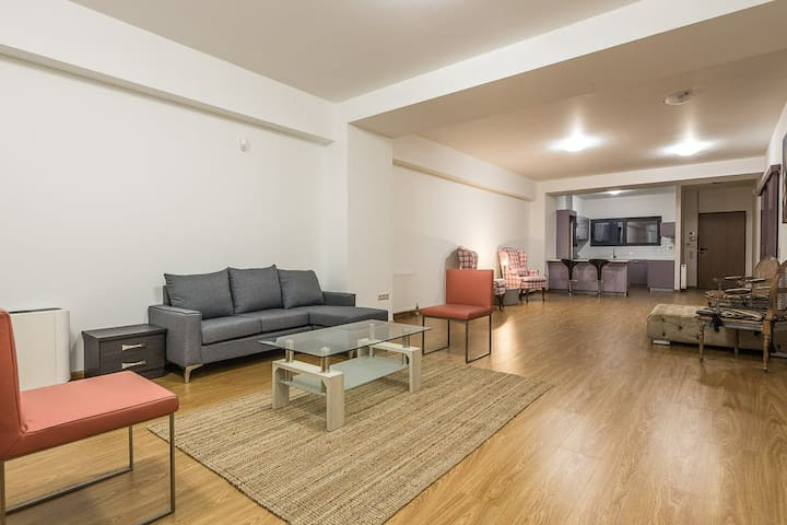 Party And Stay House Near Maroysi Station