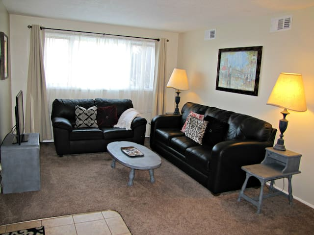 Furnished Sunnyside Apartment #2