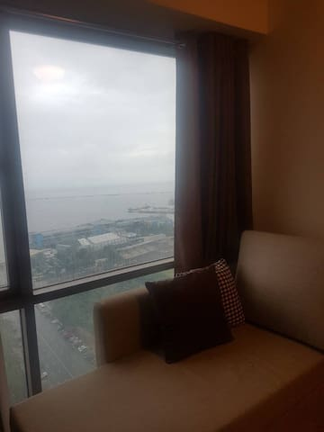 Modern Condo in the Metro (near Luneta Park)1Bd