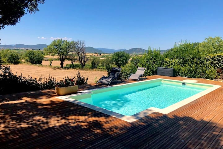 Charming villa with private pool and phenomenal views