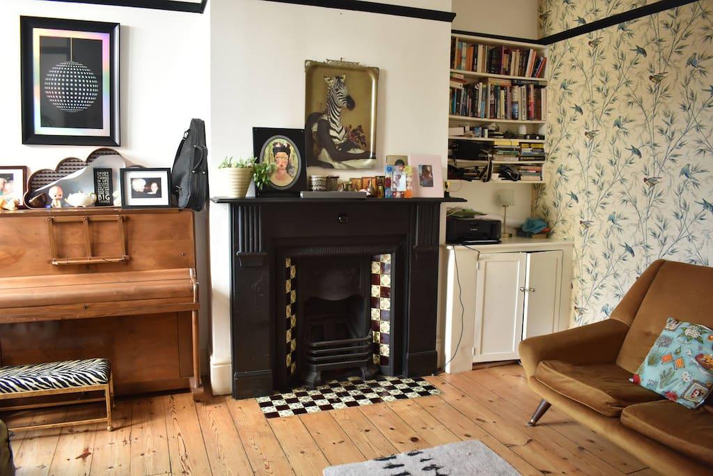Lounge 2 - Piano, Sofa, playroom/dartboard