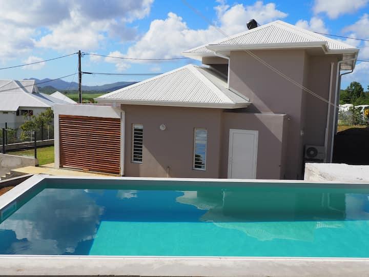 Villa Mapou Duplex,T3 moderne avec accès piscine