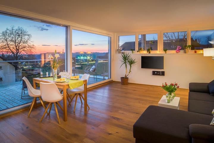 """Stylish Holiday Apartment """"Dreiländerblick"""" with Private Balcony & Wi-Fi; Parking Available"""