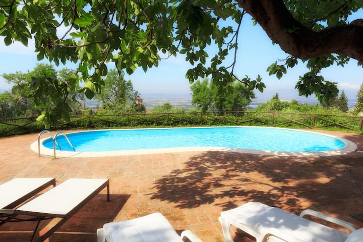 Villa with Pool near Florence, relax and quietness - Calenzano - วิลล่า