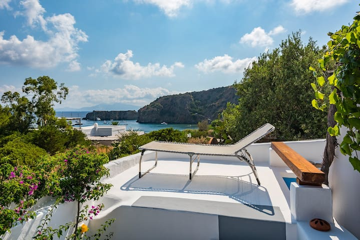 Charming Aeolian seaside house - Panarea - House