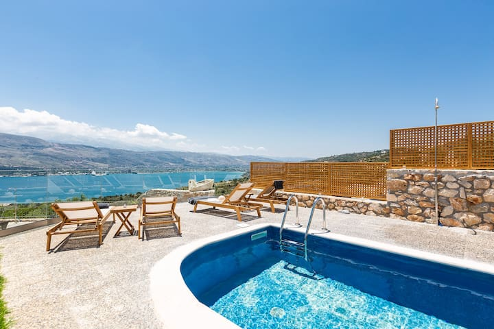 Villa Istros II, infinite blue!