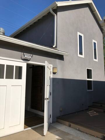 Guesthouse in fully converted former garage