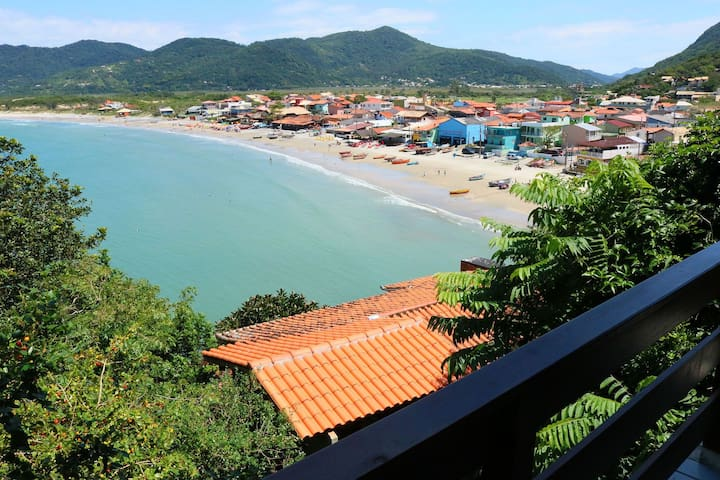 Gourgeus 2 bedrooms house with sea view in Florianópolis Brazil