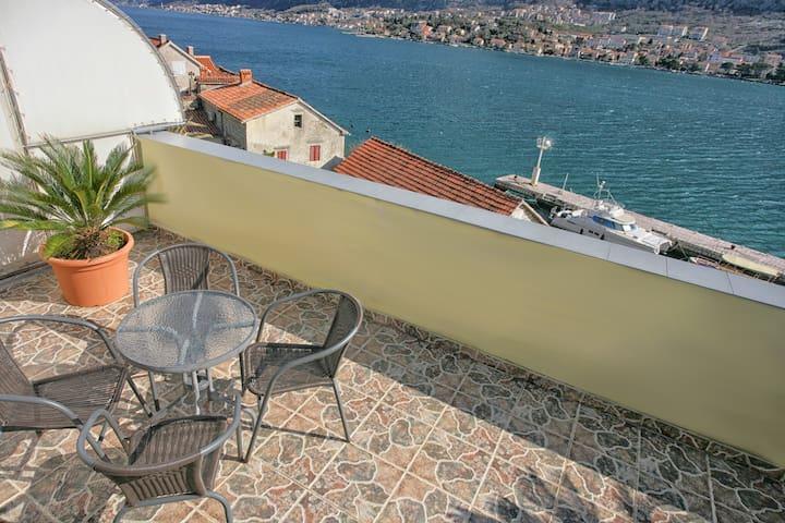 ❣️ Stunning/Panoramic view   Waterfront   2BR  BBQ