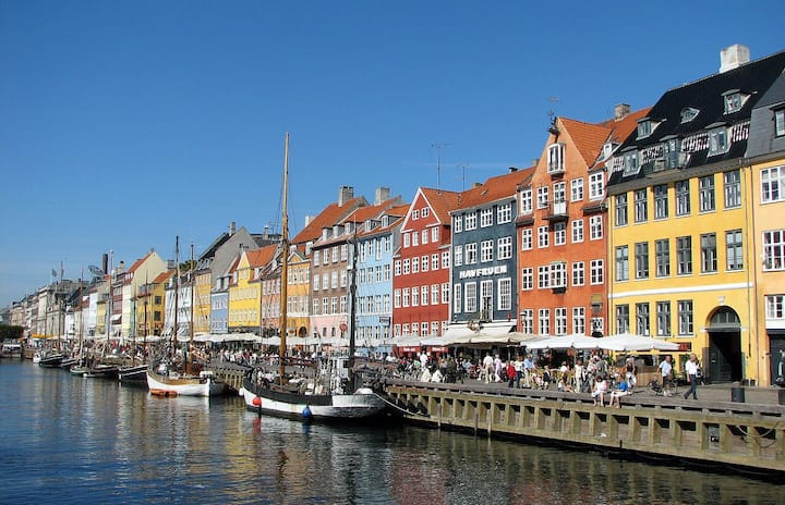 City center in the famous Nyhavn close to Metro
