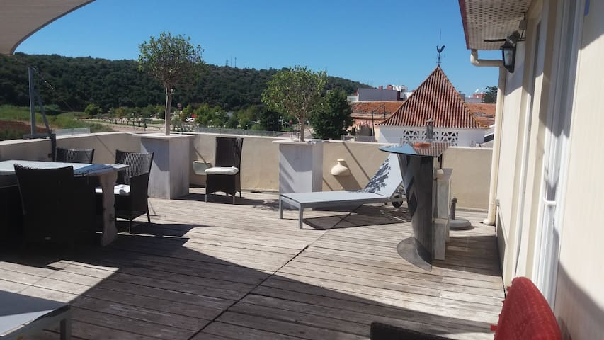 Room with extra´s and great view Silves riverside