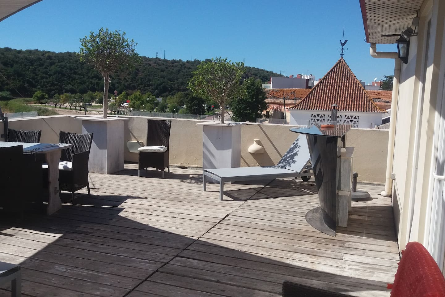 Studio O Cais, great views over the landscape from your huge terrace