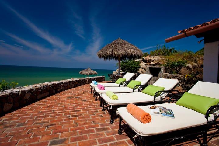 (CKE)3Unit Estate Sleeps14 Beachfront,Walk to town - Playa Sayulita - 別荘