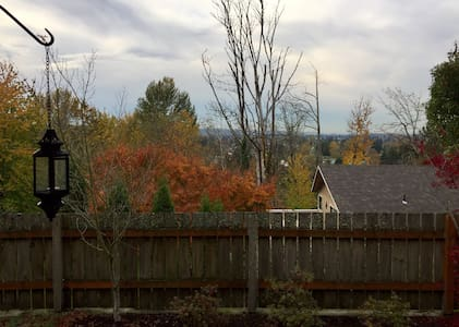 Overlooking the Valley ! - Puyallup