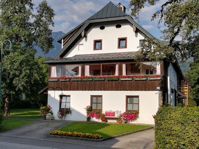 Ferienwohnung Grillenförsterhaus am Hallstättersee