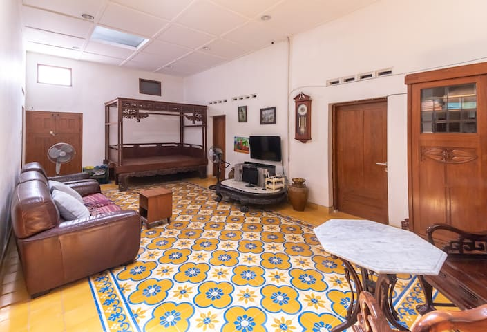 2 Zimmer Authentic House im Bereich Royal Palace