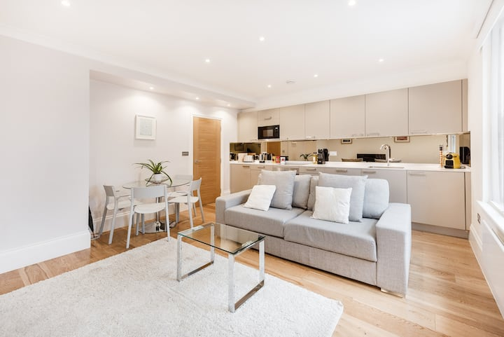 MODERN 1-BED APARTMENT IN SOHO / CHINATOWN