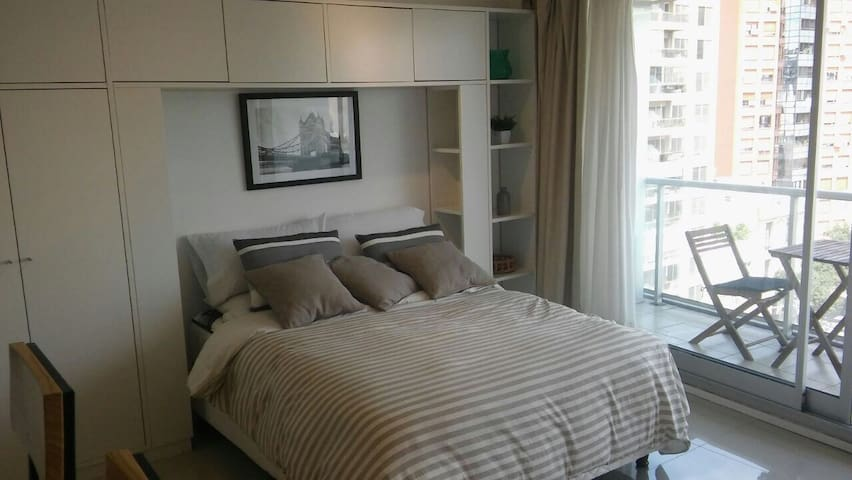 BRAND NEW STUDIO WITH CITY VIEWS, POOL, GYM & SUN - Buenos Aires - Appartement