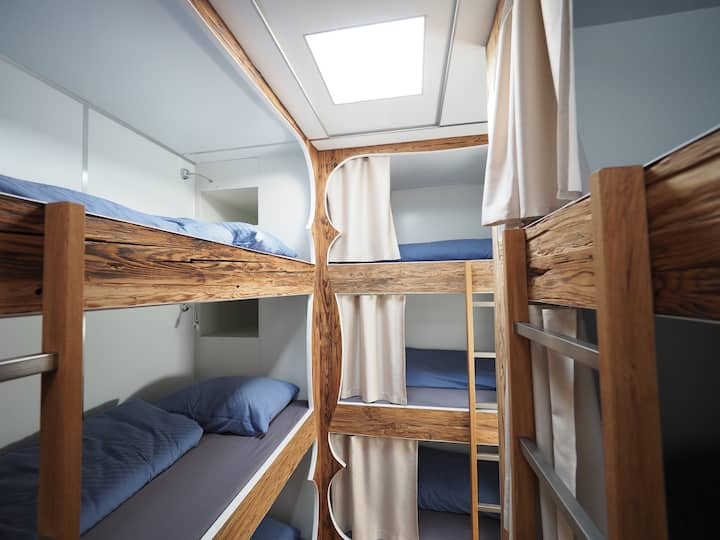 Extraordinary Sleep-Accommodation with 18 Beds!