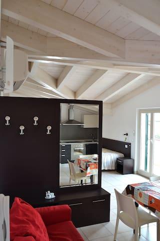 Appartamenti fino a 12 persone, 150 metri dal mare - Roseto degli Abruzzi - Haus