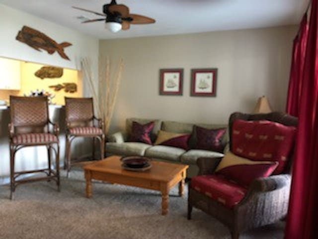 Andiamo is a lovely 2 bedroom condo in Carrabelle