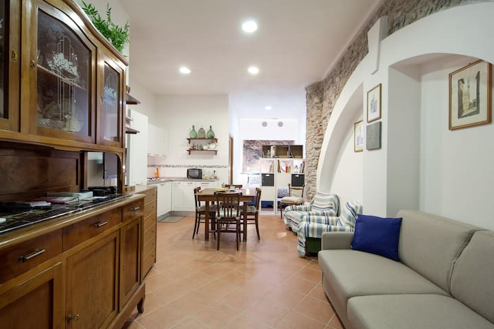 Private apartment in Cinque Terre 011030-LT-0048