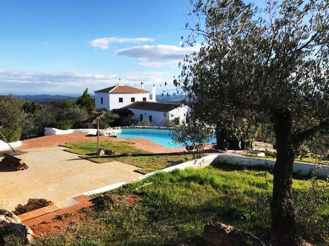 Alojamiento Rural Altabrida (Los Castaños)