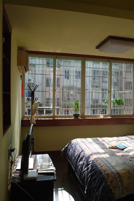 充满阳光的卧室(二)