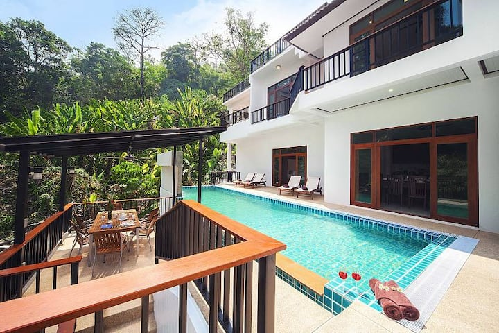 ⭐Patong Luxury 8BR Villa w/ Pool Near Beach