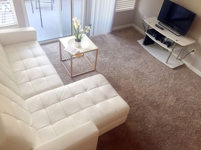 ★★★★★ 2BDR/2BA APT. IN SANTA MONICA! FREE PARKING!
