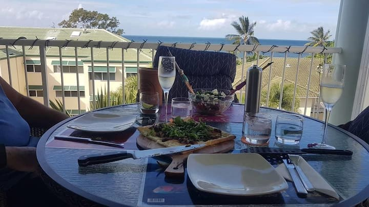 Trinity Beach Luxury Apartment with Ocean Views