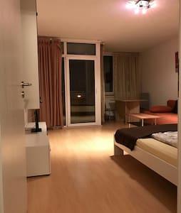 40m² Top Apartment nähe Messegelände A17 - Laatzen
