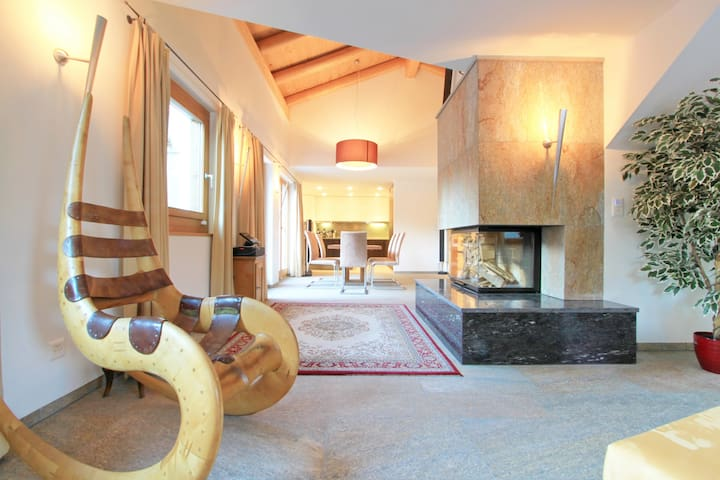 Luxury Chalet directly at the lake St. Moritz