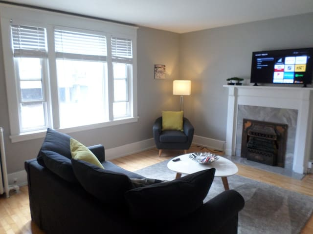 Beautiful, Clean, Quiet 2 BR- In Downtown Ottawa.