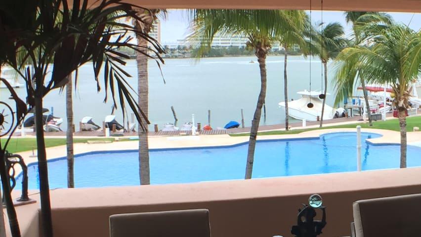 LUXURY PH a la Orilla del Agua - Cancún - Apartment