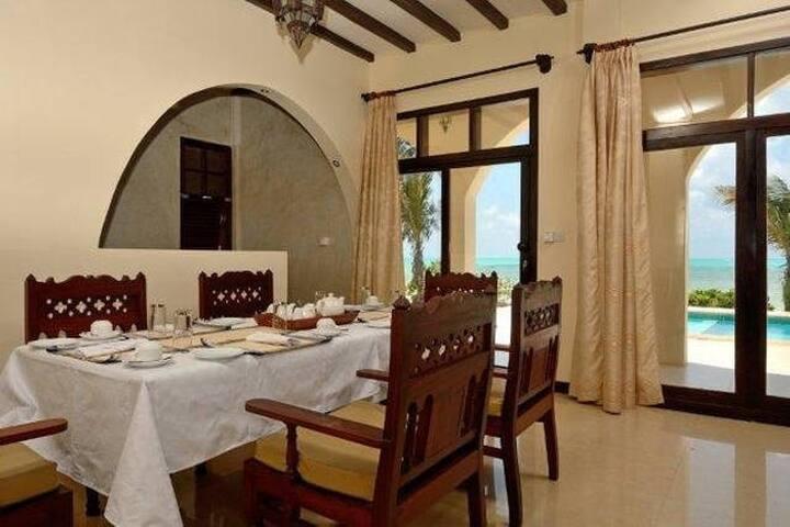 Ocean Front 4 Bedroom Villa 2