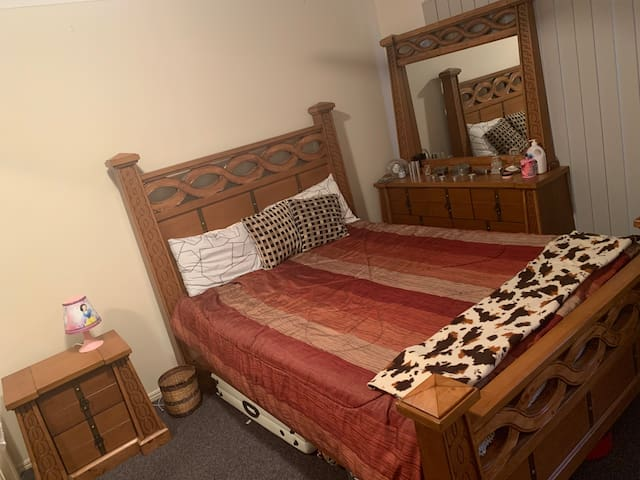 Master bedroom for max tow people