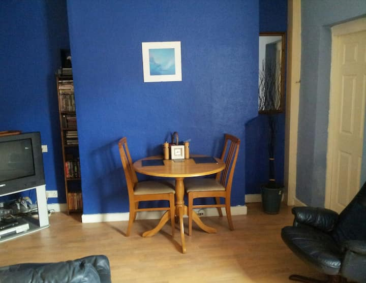 L shaped single room near to city centre