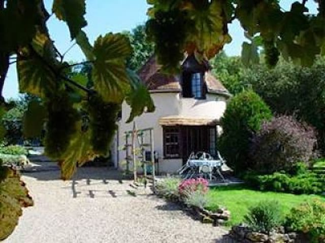 PIGEONNIER FARMHOUSE COTTAGE - Dracy-lès-Couches - Apartment