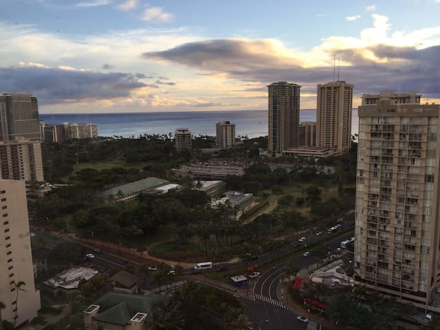 32 Floor Ocean View Waikiki Studio