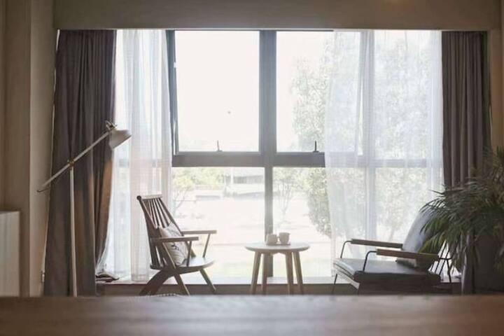 「鸢尾」湖景大床房 隐居绍兴—最有腔调的城市民宿空间,生活方式美宿