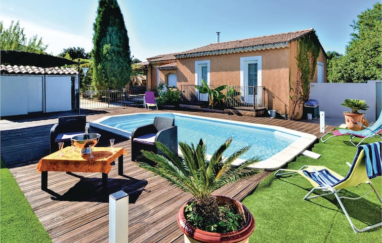Semi-Detached with 3 bedrooms on 90m² in Saint Victor la Coste