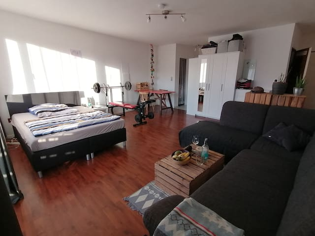 Schönes, zentrales Apartment mit großem Balkon etc