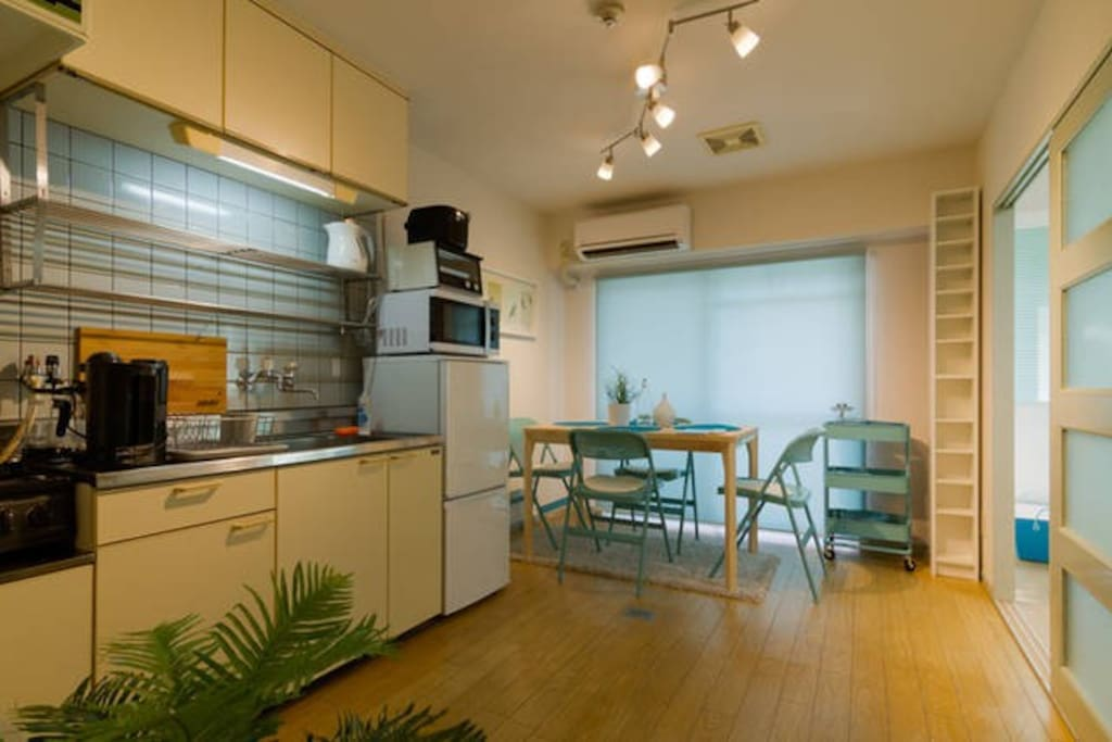 Welcome to your home in Osaka. Located in very central Namba, spacious 2 bed room apartment with a dining/living which gets lots of sunshine