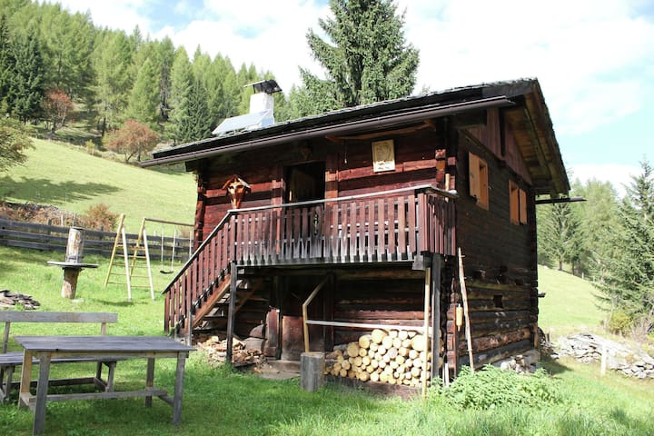 Quaint Holiday Home in Mörtschach with Barbecue
