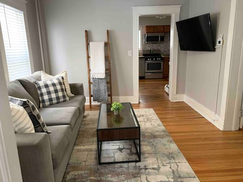 Renovated, private parking,close to everything!